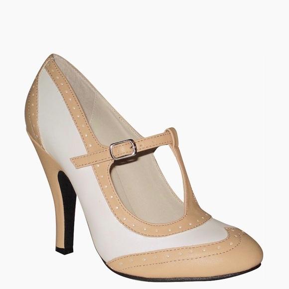 Modcloth Shoes - T Strap Heels